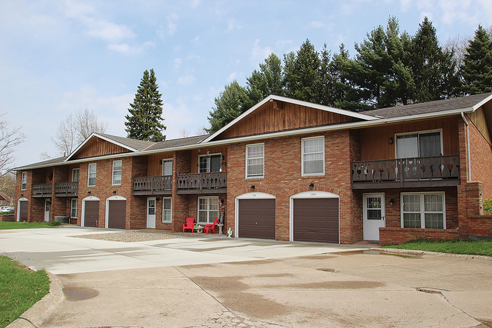 Old Eagle Apartments, Brunswick, OH, 44212
