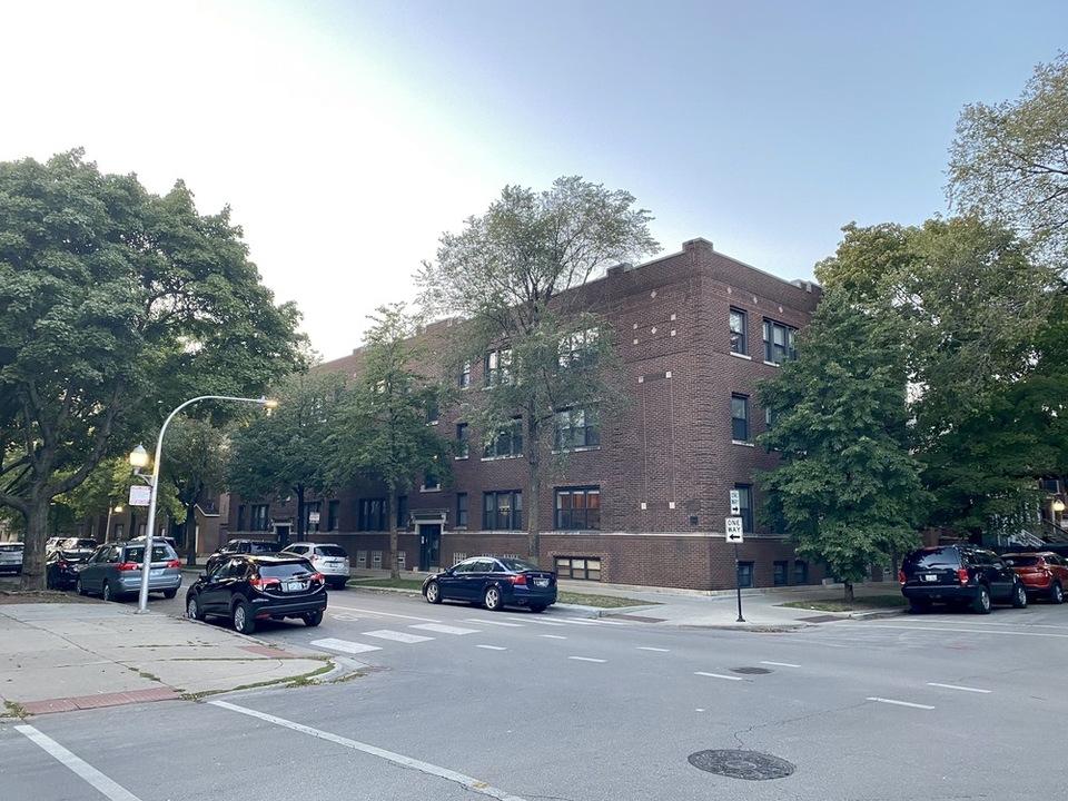 1510 W. Roscoe, Chicago, IL, 60657