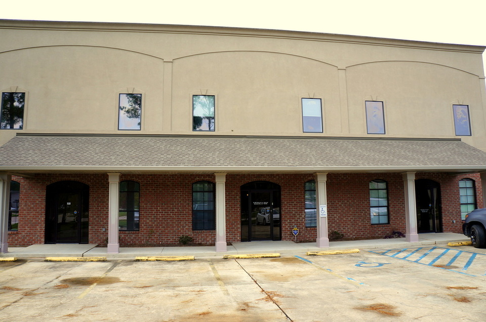 Mandeville Office/Showroom with Small Warehouse - 21385 Marion Lane,  Mandeville, LA, 70471
